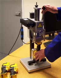 Single-head multipoint heat stake machine